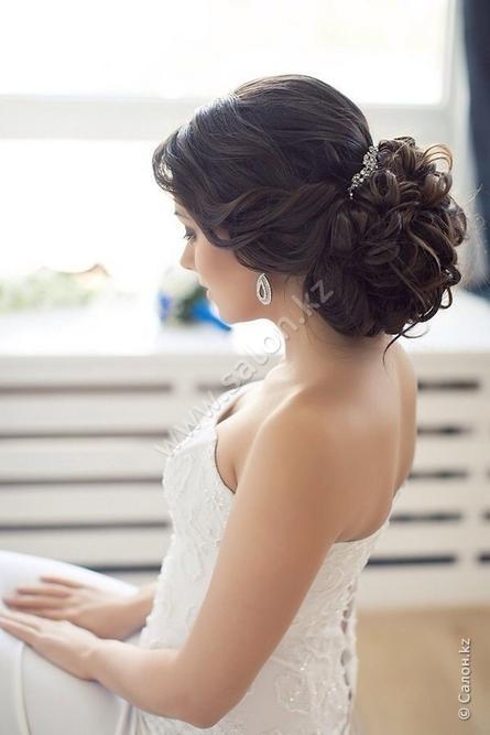Прическа невесты пучок с фатой